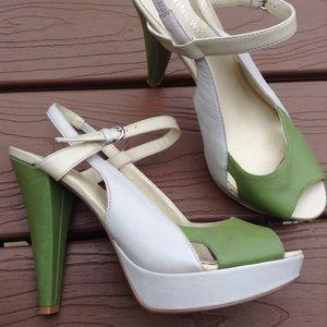 NINE WEST 1940's style bilson peep toe heels 7